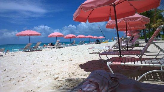 Ocean Club Resort : Beautiful and peaceful beach