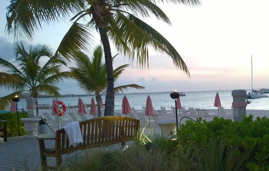 Ocean Club Resort : Evening at the Cabana Bar