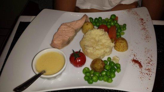 Vent d'Est : Menu enfant saumon beurre blanc