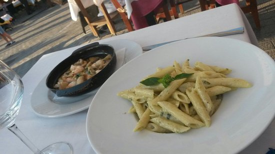 El Sardinero : Pennen met pesto en knoflook gamba's...