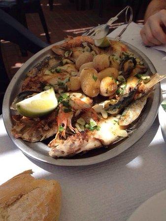 Parrillada de pescado en Las Nasas