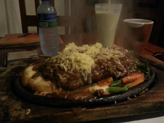 The Sizzle : Sizzling Grilled Beef! :)