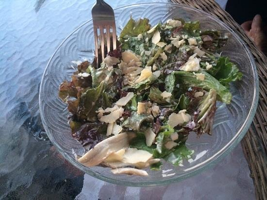 Riverside Farm Market and Cafe: Caesar Salad