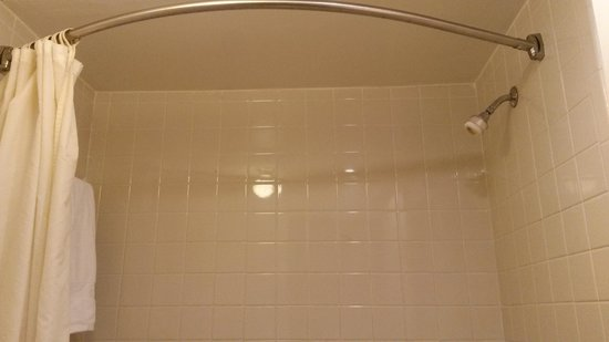 Tourway Inn: Shower