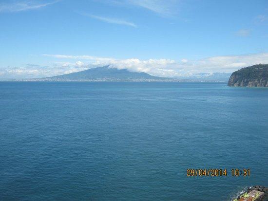 Grand Hotel Riviera: View of Naples Bay & Vesuvius