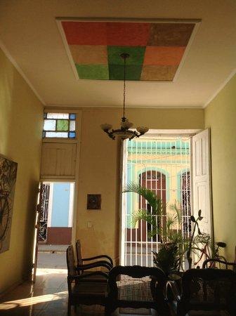 Hostal Milagros Pineda Tamayo : entrance hall