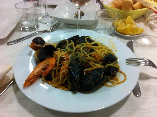 Spaghetto allo scoglio picture of bagno ristorante - Bagno levante porto garibaldi ...