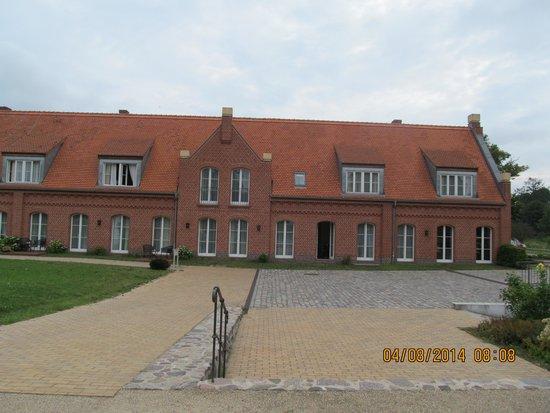 Schlosswirt Meseberg: Gebäude mit den Hotelzimmern