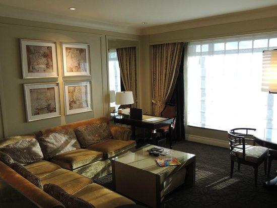 The Palazzo Resort Hotel Casino: Espace salon et bureau