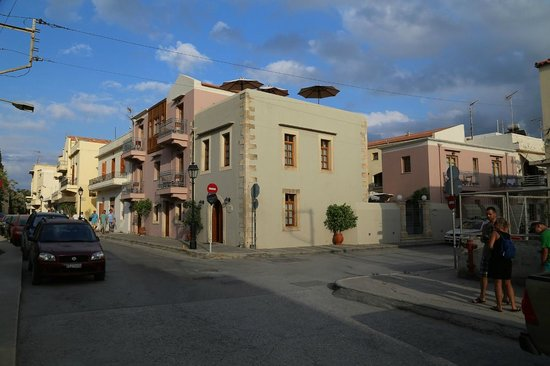 Palazzo Vecchio Exclusive Residence : Main Reception block (door on left)