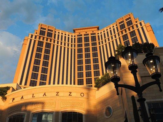 The Palazzo Resort Hotel Casino: Vue du Palazzo d'en bas