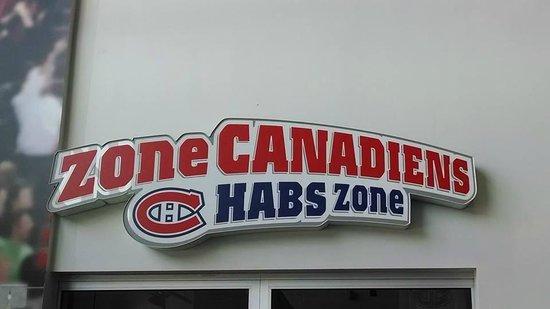 Bell Sports Complex : Fan Zone shop
