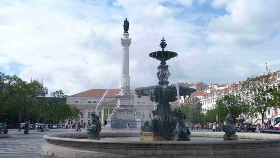 Rossio Square: The main square view from South