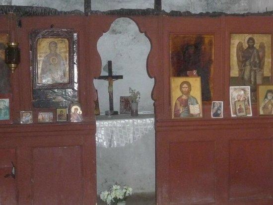Gouverneto Monastery: Eglise
