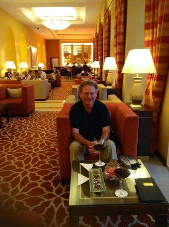 Hilton Imperial Dubrovnik: Lobby bar