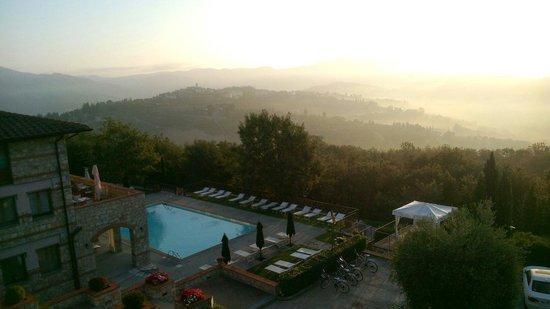 CDH Hotel Radda : La vista dalla nostra stanza all'alba