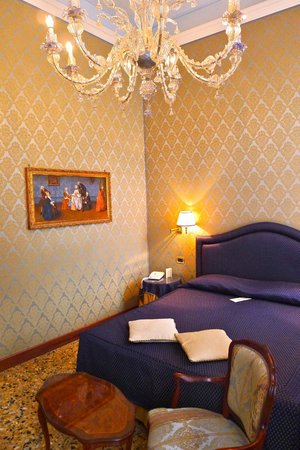 Hotel Colombina : Canal View Room