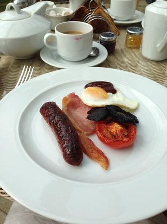The Royal Hotel: Delicious Breakfast, Lovely and hot