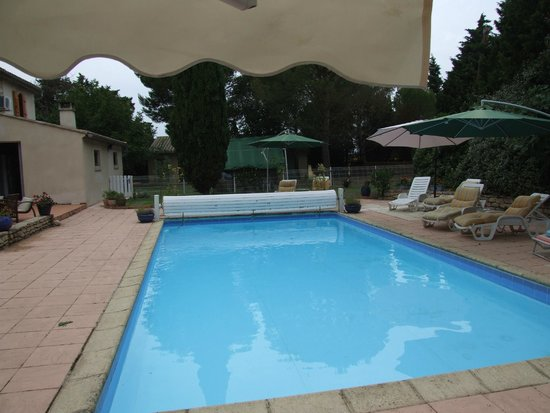 The French House Party, Carcassonne: The pool