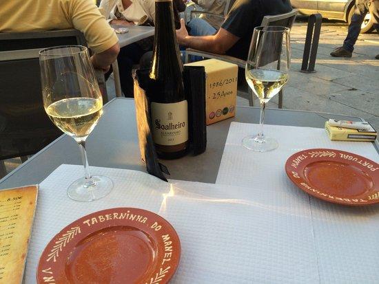 Taberninha Do Manel : Tranquille sur la terrasse!