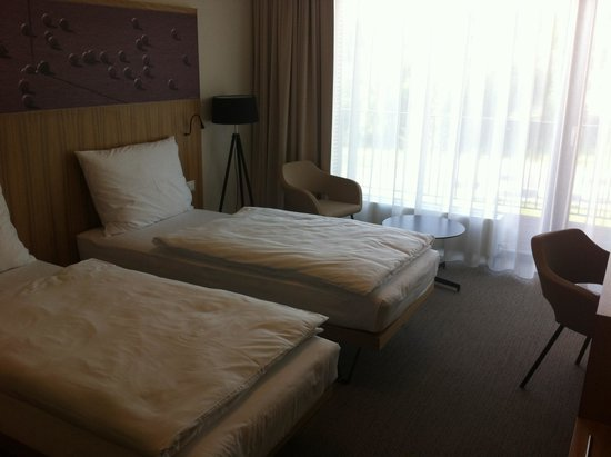 Hotel S-Port Veska: The room