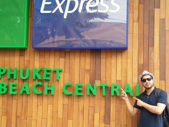 Holiday Inn Express Phuket Patong Beach Central: Really worth full place to stay.. Patong, bangal road, shopping mall just at a walking distance