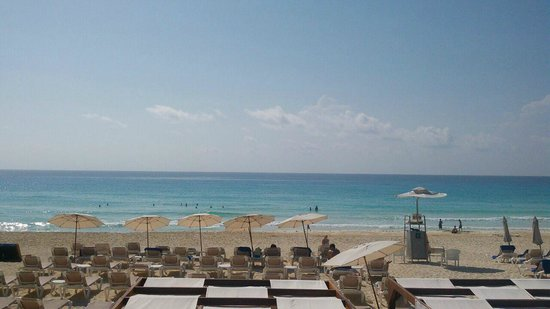 Hard Rock Hotel Cancun: Area de playa