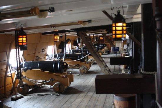 Portsmouth Historic Dockyard: Gun Deck HMS VIctory