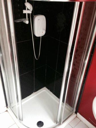 Paddy's Palace Belfast: Shower