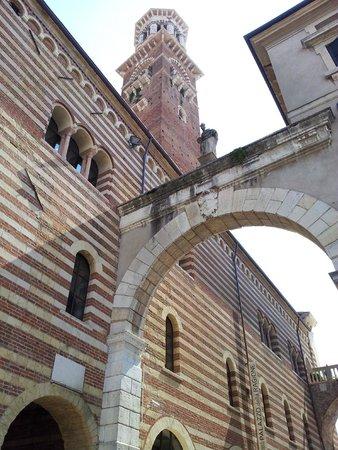 Torre dei Lamberti: Una vista della torre dall'interno depl Palazzo