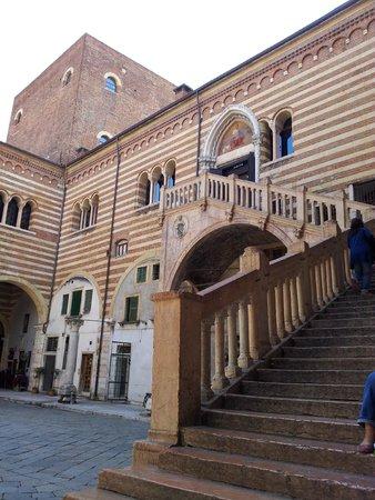 Torre dei Lamberti: Palazzo della Ragione