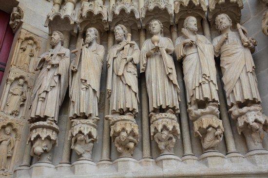 Cathédrale Notre-Dame d'Amiens : Détail de la statuaire
