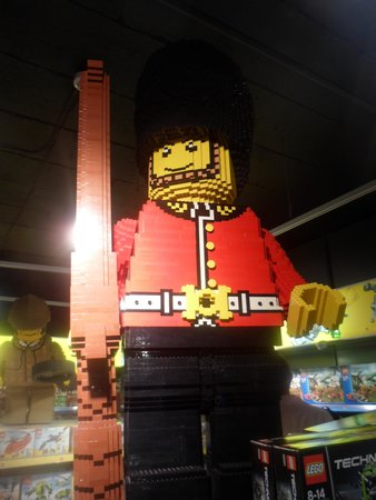 Hamleys Toy Store: Beefeater di lego