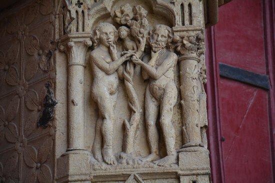 Cathédrale Notre-Dame d'Amiens : Détail de la statuaire, Adam et Eve