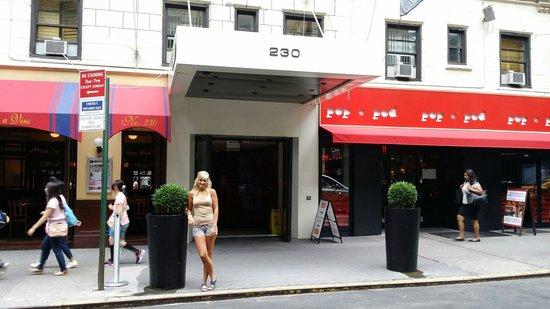 Pod 51 Hotel: Entrada