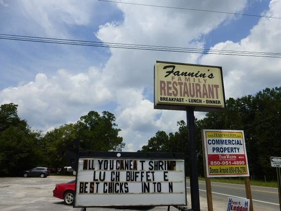Fannin's Family Restaurant: Roadway sign
