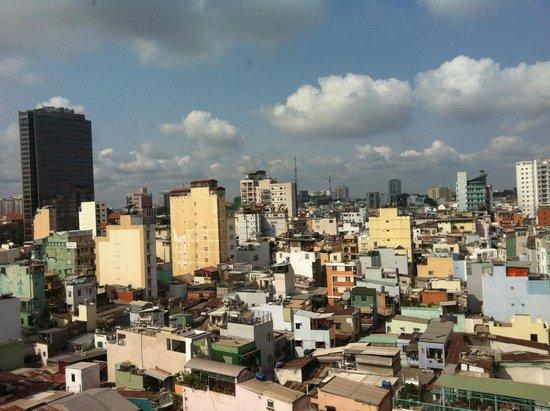 Liberty Central Saigon Centre Hotel : Вид из окон