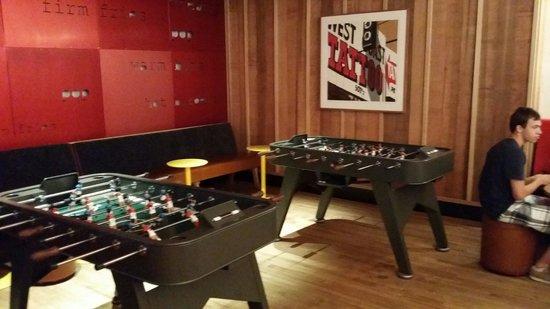 Pod 51 Hotel: Futbolines gratuitos en el bar