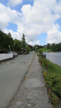 The Mawddach Trail: Pub en route