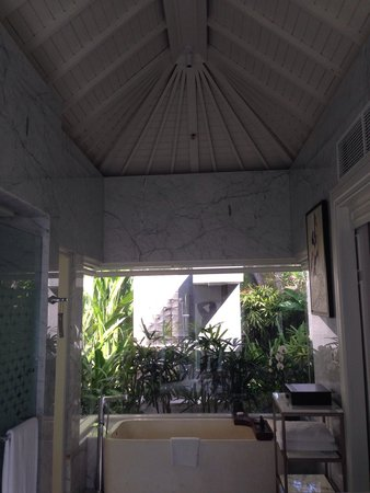 Sofitel Bali Nusa Dua Beach Resort: Villa bathroom