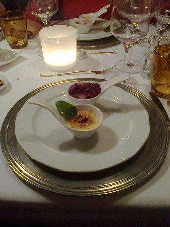 Boutique & Fashion Hotel Maciaconi: Cena di gala: crème brulée con gelato
