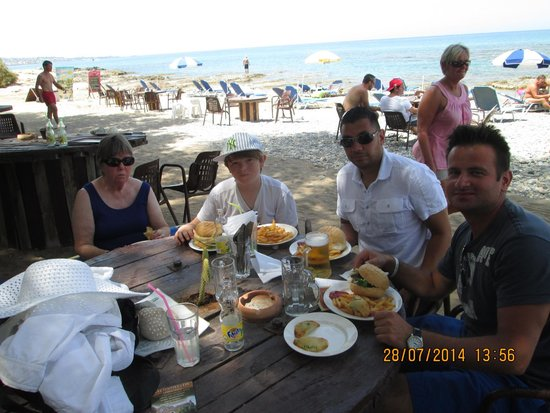 Musée de plein air de Lychnostatis : The beach cafe - a perfect end to our visit