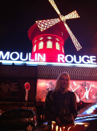 Moulin Rouge at 2am