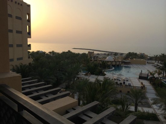 Hilton Ras Al Khaimah Resort & Spa: Sunset from the rooms balcony