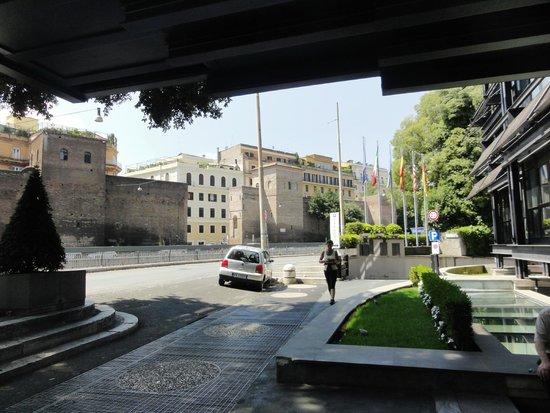 NH Collection Roma Vittorio Veneto : localização