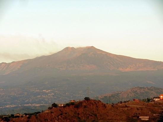 Excelsior Palace Hotel: view of Etna
