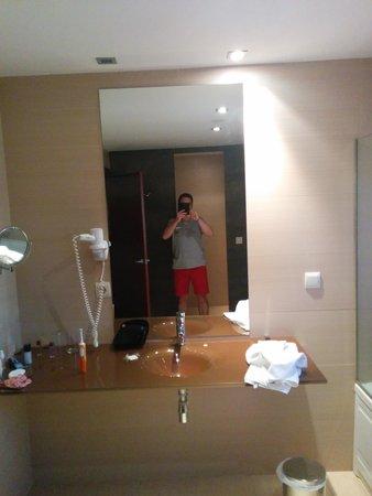 Hotel Granada Palace: lavabo