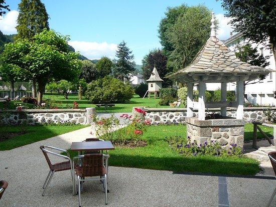 Hotel Beausejour : la terrasse sur le jardin