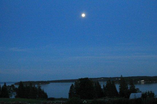 Nebo Lodge: North Haven Island Super Moon