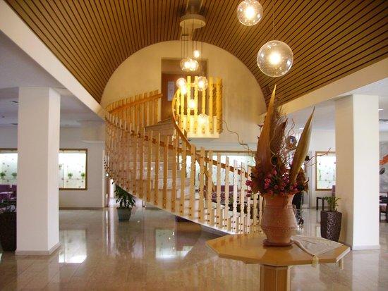 Kissos Hotel: Hotel foyer
